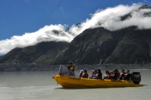 Boat to the glacier front