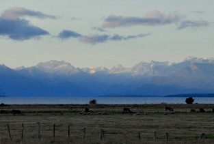 Te Anau, Lake and snow-capped peaks