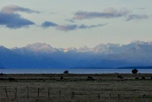 Te Anau, Lake and snow-capped peaks