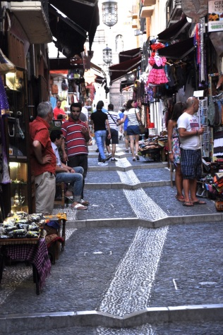 Main street up the Albayzín, with tourist shops
