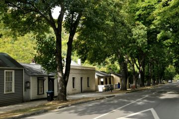 Miners' cottages, Avenue of Trees, Arrowtown