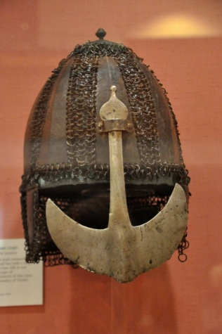 Indian heavy cavalry mail and steel plate helmet, early 1600's