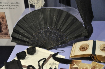 Mourning accessories