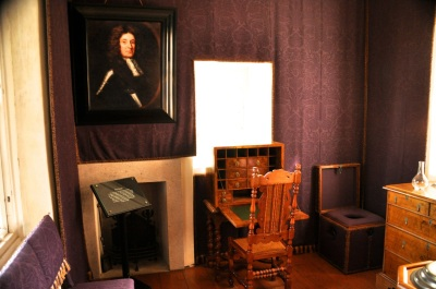 The Countess' Closet (sitting room)