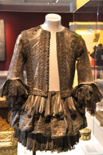 Doublet and trunk hose, in silk and silver, 1660