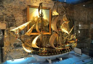 Ship model made by prisoners, 1781