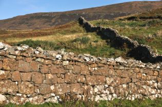 Wall near the peninsula tip (Groban na Sgeire)