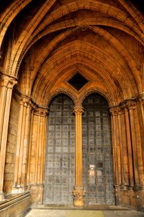Entrance door to the south transept