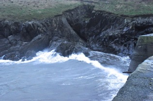 Incoming waves at the Porthgain harbor