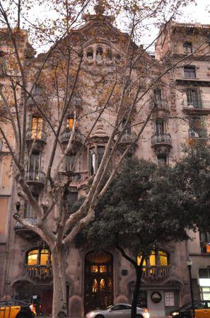 Casa Comalat by Salvador Valeri i Popurull in 1911