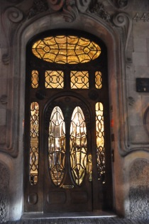 The front door at the front of Casa Comalat