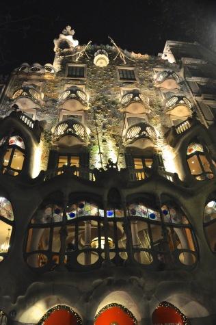 Gaudí's Casa Battlo, at night