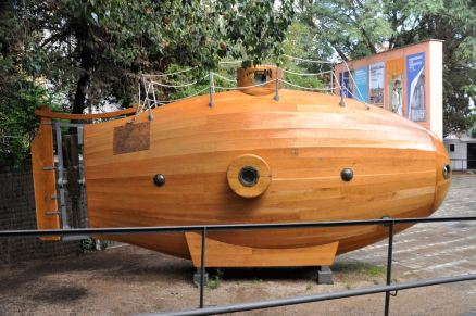 Repllica of the pioneering submarine Ictineo I, 1859