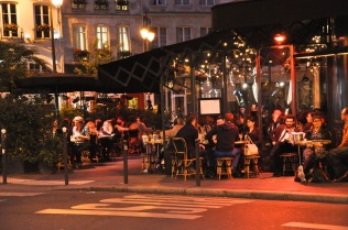 Lively Paris bistro